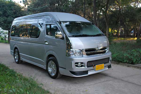 Toyota commuter hire in bangalore    Toyota commuter rentals in bangalore    09019944459