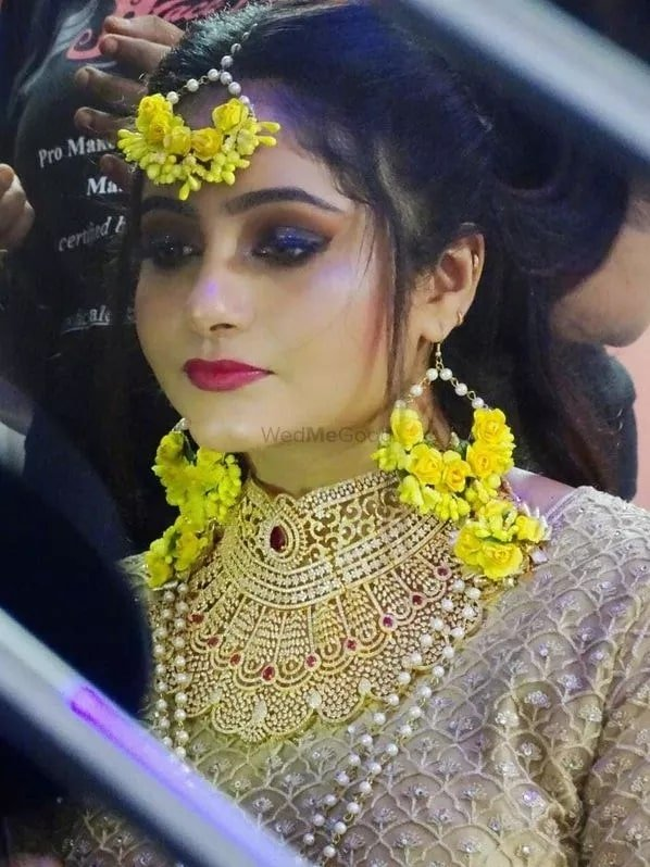 Confused about Makeup for Haldi Function. Experts are here. Call us Now