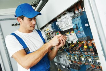 Get Best Electrician Service ,Book Electrician  Online  in Gooezy.