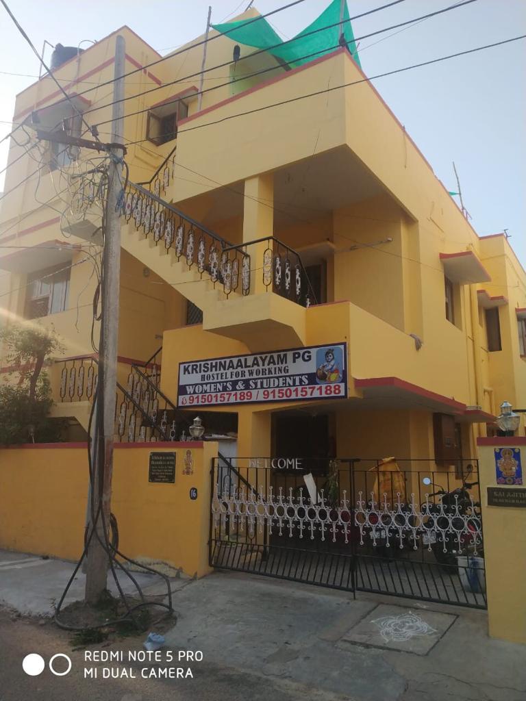 Ladies hostel at lowest rental in velachery
